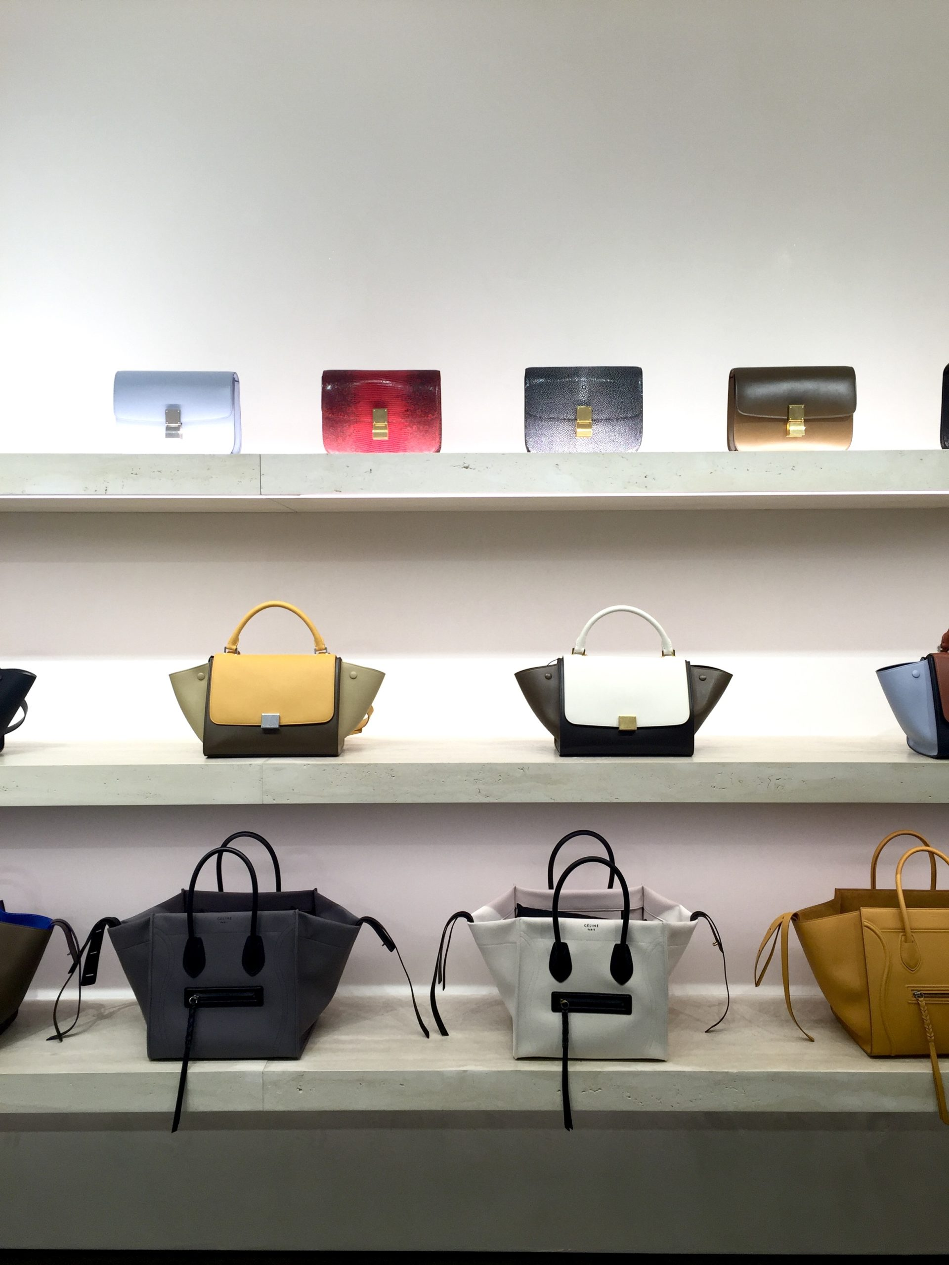 Dit zijn de mooiste designertassen van 2020