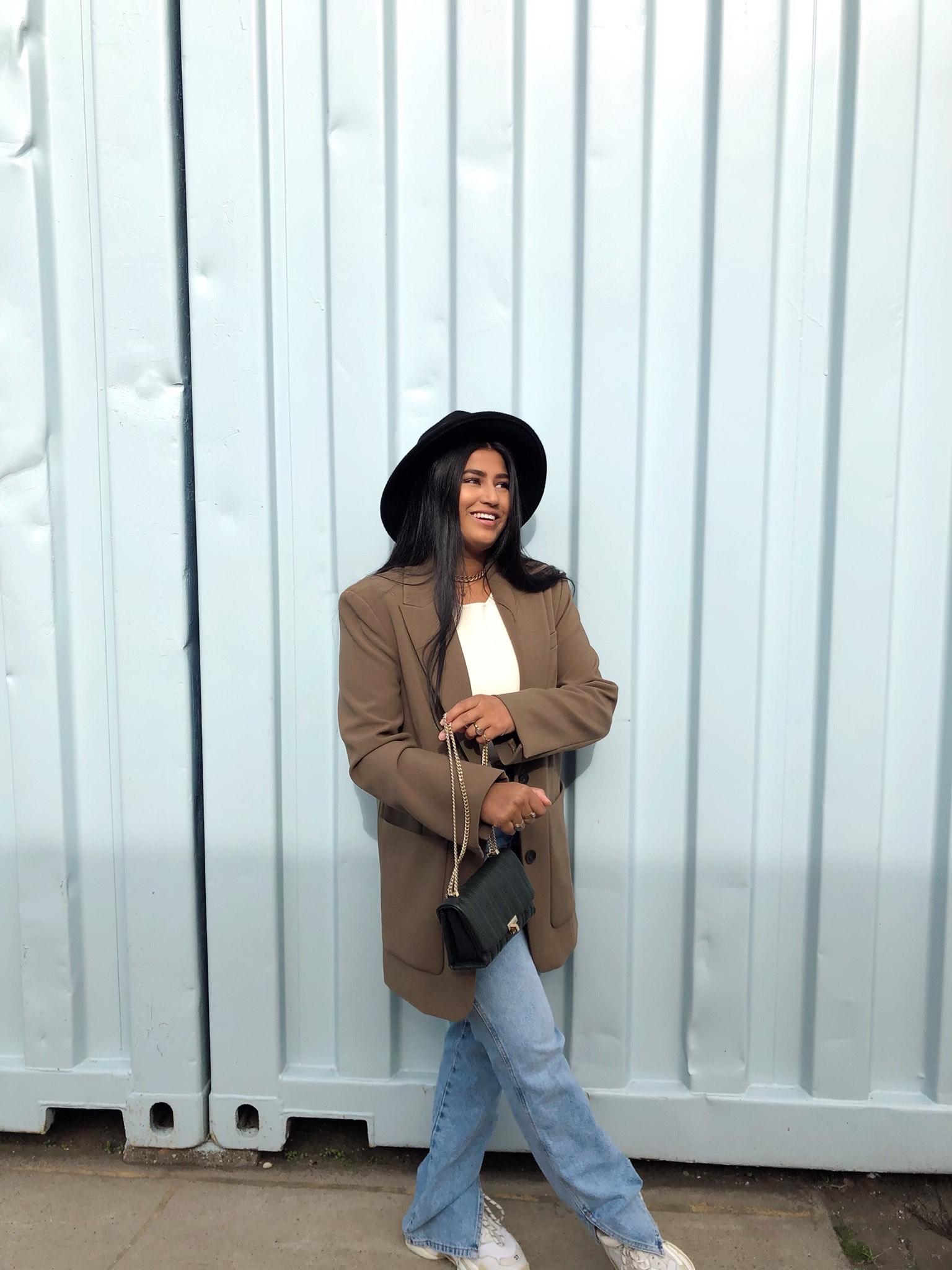 Get the Look: de oversized blazer van Arah