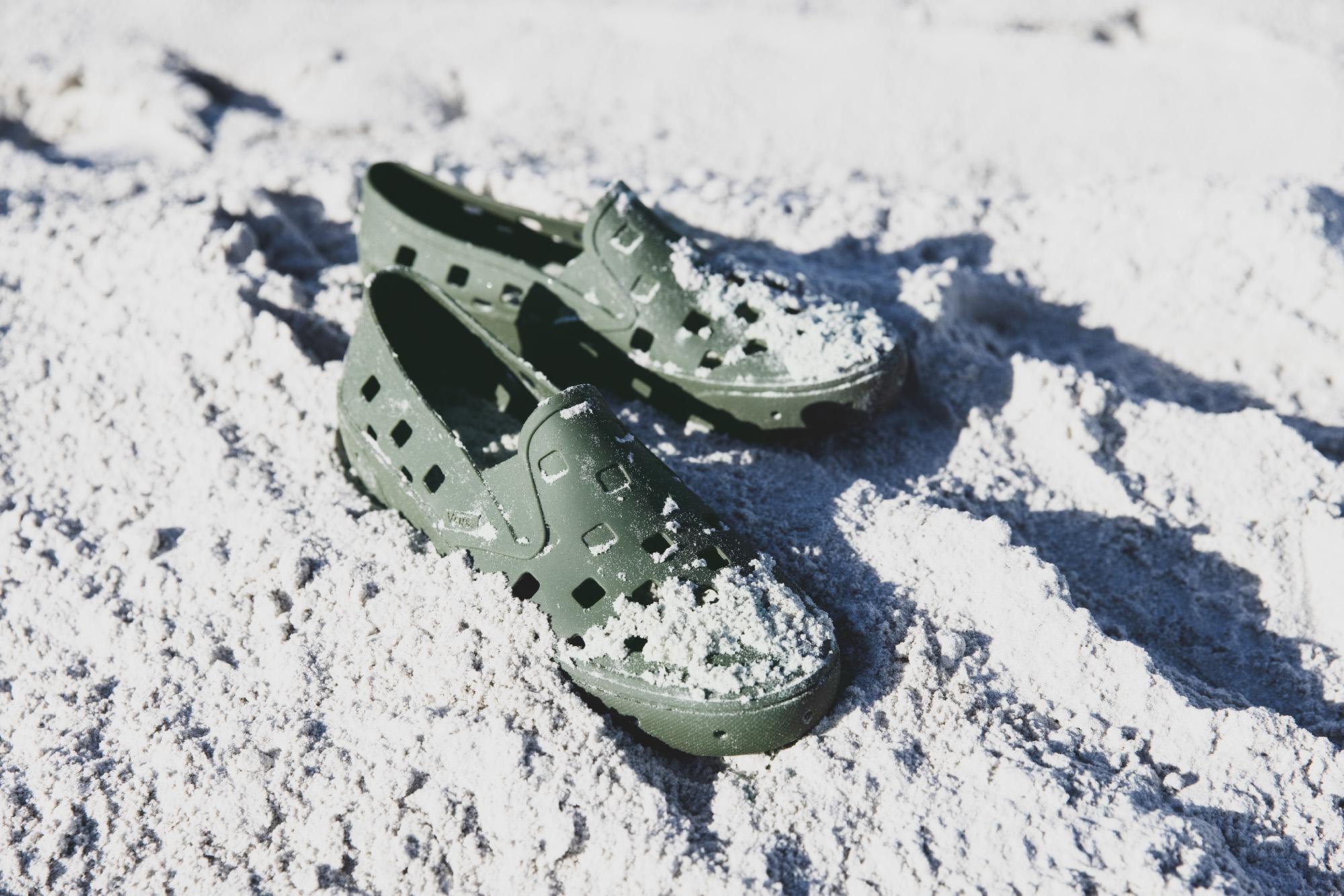 Vans introduceert de eerste volledig afspoelbare schoen: de Trek Slip-On
